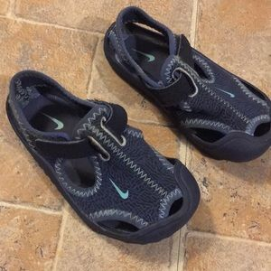 Nike baby boy sandals size infant 2